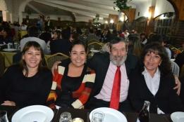 Nelly Cifuentes; Fabiola Bravo; Joel Bravo, director del SISACH; y Roxana Saa.